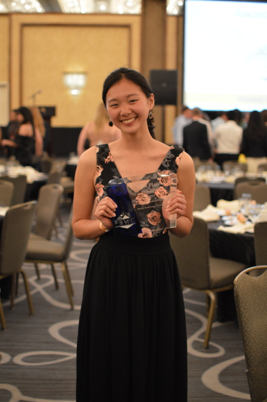 2016 USC Technical Paper author Justine Lee with her 1st place award.