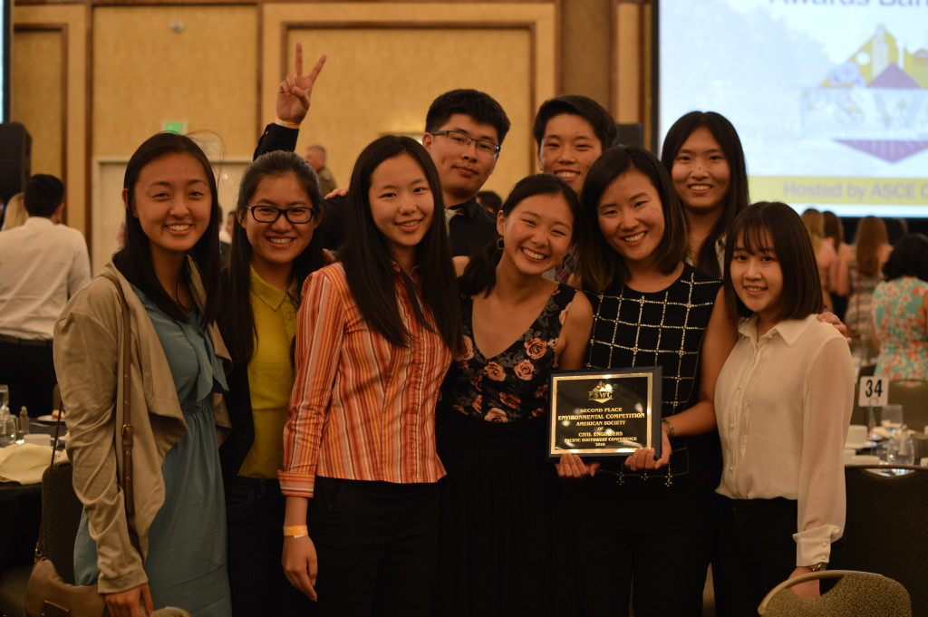 USC Environmental Design Team with their 2nd place award.